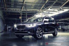 BMW X7 xDrive40i Opulence rakitan Indonesia meluncur, harganya Rp2,3 miliar