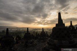 Borobudur me awarkan liburan unik untuk bersepeda