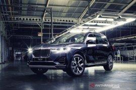 BMW X7 xDrive40i Opulence hasil rakitan Indonesia meluncur, berapa harganya?
