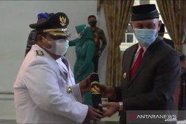 Gubernur Sumbar, Mahyeldi lantik Bupati dan Wabup Padang Pariaman Suhatri Bur-Rahmang