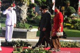 Seskab Pramono Anung hadiri pelantikan putranya terpilih Bupati Kediri