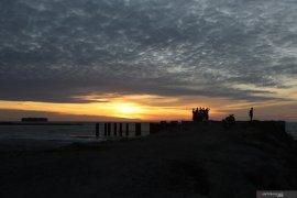 Ini lima lokasi keren nikmati matahari terbenam di Pariaman