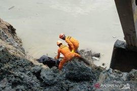 Tim SAR menemukan bagian tubuh korban longsor tambang Parigi Moutong