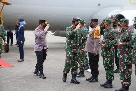 Panglima TNI dan Kapolri bakar semangat prajurit Satgas Nemangkawi