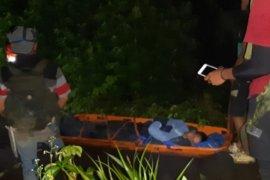 Tim SAR gabungan evakuasi remaja yang terjatuh di cadas Marapi