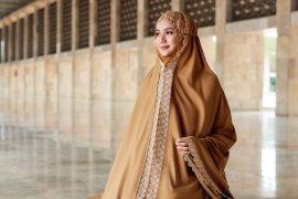 Siti Khadijah rilis koleksi barunya, Modish Eshal dan Modish Saira