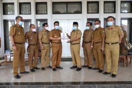 Plh Bupati serahkan nota pelaksana kepada Bupati Lampung Selatan
