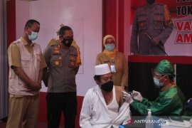 Tokoh lintas agama di Polres Lobar menyatakan vaksin Covid-19 halal dan aman