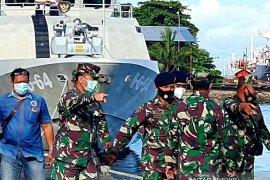 KRI Badik-623 sandar di dermaga layang Lantamal VI/Makassar