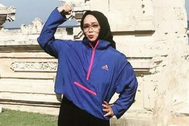 Presenter Rina Gunawan tutup usia