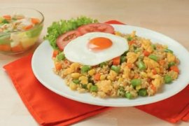 Resep nasi goreng kaya serat dan penuh nutrisi untuk sarapan