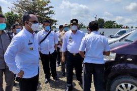 Bupati dan Wabup Lampung Tengah cek kondisi kendaraan dinas