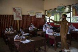 Sumatera Selatan menyegerakan  vaksinasi COVID-19 pada guru