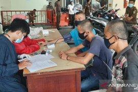 59 orang tahanan Kejari Padang dipindahkan ke Rutan