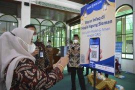 Pemkab Sleman-Bank BPD meluncurkan infak masjid daring melalui QRIS
