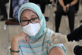 Lansia di Lampung harapkan vaksinasi dapat pulihkan ekonomi