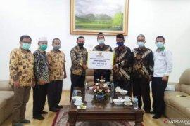 Peduli korban banjir Kalimantan Selatan, Tanah Datar salurkan Rp183 juta