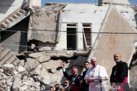 Pemimpin Umat Katolik Paus Fransiskus mendarat di Mosul Irak utara