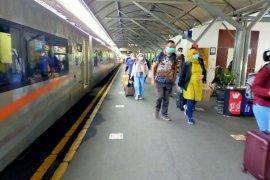 Daop Surabaya memperpanjang relasi KA Mutiara Timur sampai Yogyakarta