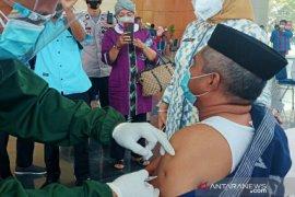 Sebanyak 190.498 warga lansia di Sulawesi Tenggara jadi sasaran vaksinasi COVID-19
