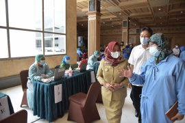 Pemkab Sleman melaksanakan vaksinasi COVID-19 untuk 3.000 ASN