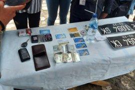 Polisi tangkap pengguna narkoba dalam mobil