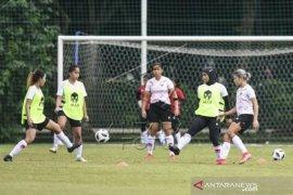 Latihan Timnas Putri Indonesia Jelang Sea Games Vietnam