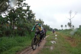 Bupati Lampung Tengah ajak masyarakat olahraga sepeda jaga imun tubuh