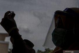 Dinkes Sumsel pastikan semua daerah mulai vaksinasi  pelayan publik