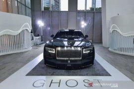 \'Mobil sultan\' Rolls-Royce New Ghost akhirnya meluncur di Indonesia