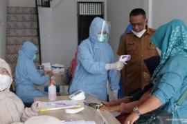 Pemkab Tanah Datar laksanakan vaksinasi COVID-19 pada pedagang pasar