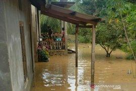 97 kepala keluarga terdampak banjir Solok Selatan