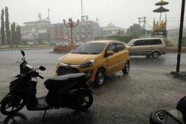 Hujan guyur Bandarlampung Page 1 Small