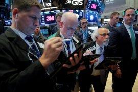 Wall Street ditutup beragam, Nasdaq terdongkrak 99 poin