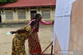 Mundur, PM beserta pemerintah Republik Kongo