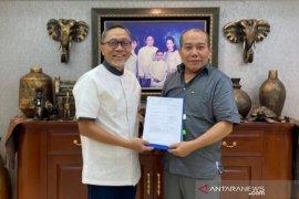 DPP menyerahkan SK kepengurusan DPW PAN NTB