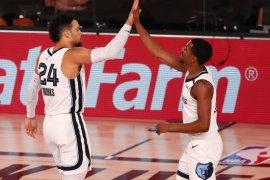 Grizzlies kejutkan Mavericks saat Luka Doncic berjuang keras
