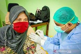 Jumlah penerima vaksin COVID-19 di Indonesia mencapai 13.136.686 orang