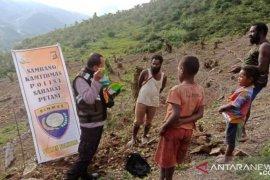 Polisi Tolikara bantu bibit sayuran untuk petani Numbugawe