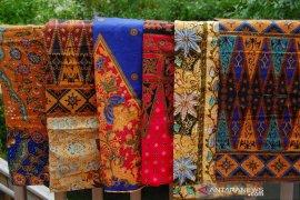 Riau dorong pengembangan kreativitas batik