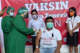 Bupati  Minahasa Tenggara yakinkan vaksin AstraZeneca aman digunakan