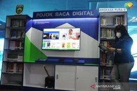 Pojok baca digital di Bandara SMB II Palembang Page 4 Small