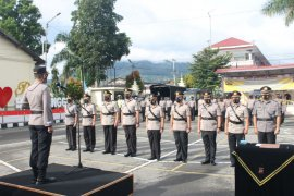 Sertijab lima jabatan utama,  Kapolres Bukittinggi ajak personel tingkatkan keamanan warga