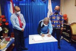 Bupati Jayapura tandatangani SK pembentukan TP2DD