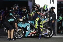 Daya cengkeram ban belakang  jadi masalah utama Rossi