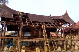 Pemkab Dharmasraya alokasi dana sebanyak ini di 2021, untuk merevitalisasi 15 unit rumah gadang