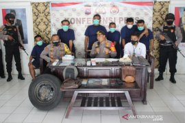 Penjahat gembosi ban pengendara di Sijunjung, begini modus operasinya