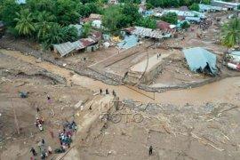 Kerusakan akibat banjir Adonara Flores Page 1 Small