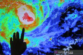 BMKG: Siklon Tropis Seroja mulai menjauh dari Indonesia