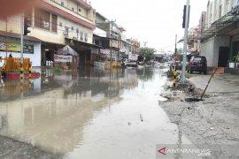 Wali Kota Palu  ajak warga tidak buang sampah sembarangan